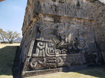 Piramide de la serpiente emplumada en xochicalco